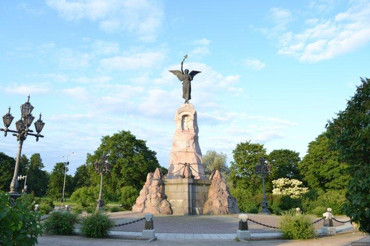 Памятник броненосцу «Русалка» - Путешествуем по Эстонии