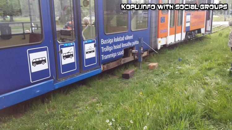 19 Мая в Копли перед остановкой Maleva трамвай слетел с рельс. - Путешествуем по Эстонии