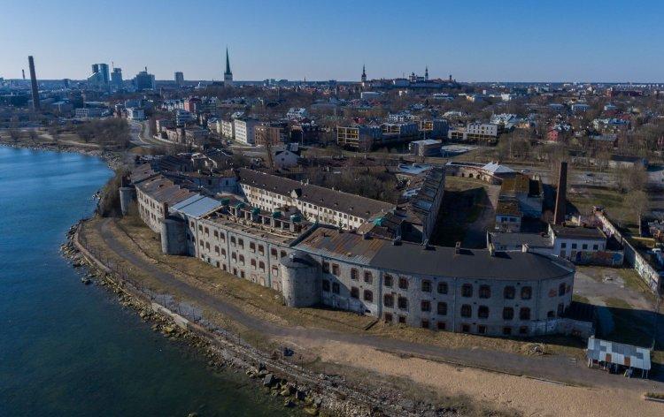 Предпраздничный шторм снес крышу Батарейной - Путешествуем по Эстонии